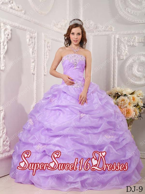 Beautiful Ball Gown Strapless Organza Lavender Quinceanera Dress with Appliques and Pick-ups