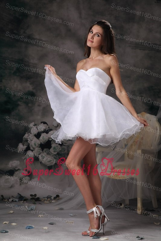 White Sweetheart Mini-length Organza Dama Dresses for Sweet 16