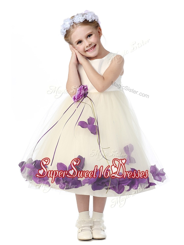 Gorgeous Scoop Mini Quinceaner Dress with Purple Hand Made Flowers and Appliques