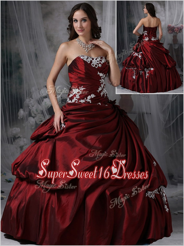 Cheap Strapless Burgundy Quinceanera Gowns with Appliques