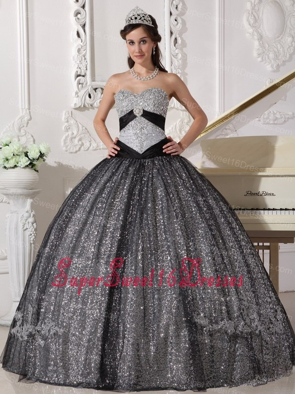 Beautiful Black Sweet 16 Dress Sweetheart Sequined and Tulle Appliques Ball Gown