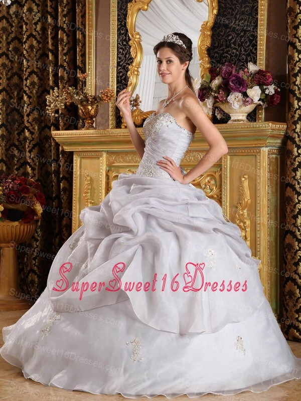 Inexpensive Grey Sweet 16 Dress Sweetheart Organza Beading Ball Gown
