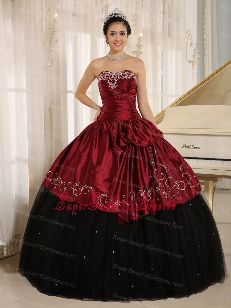 Custom Made Beaded and Embroidery Decorate Black and Wine Red Sweet 16 Dress Wear In Trinidad