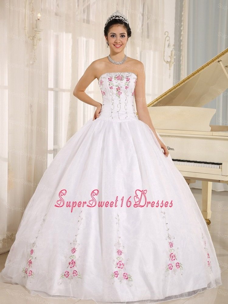 2013 White Embroidery Sweet 16 Quinceanera Dress For Custom Made
