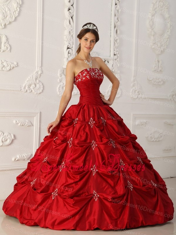 Elegant Wine Red Sweet 16 Dress Strapless Taffeta Appliques and Beading Ball Gown