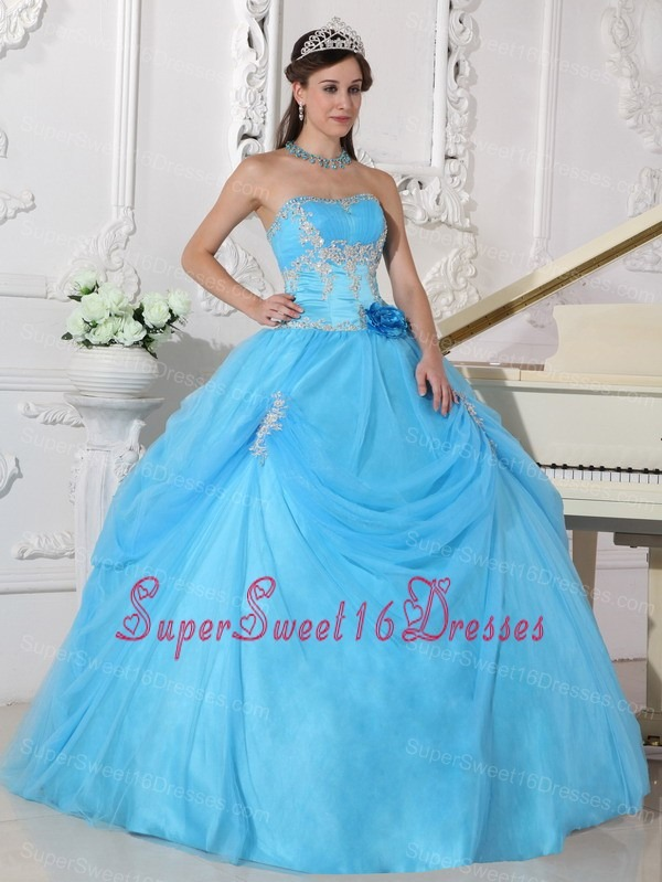 Fashionable Aqua Blue Sweet 16 Dress Strapless Taffeta and Organza Appliques and Hand Made Flower Ball Gown