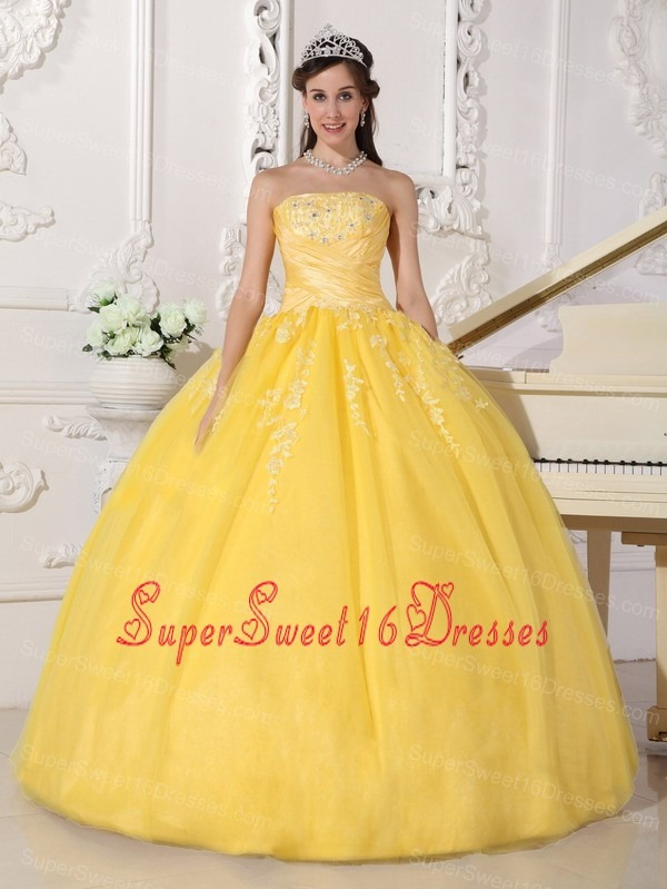 Romantic Yellow Sweet 16 Dress Strapless Taffeta and Tulle Appliques Ball Gown