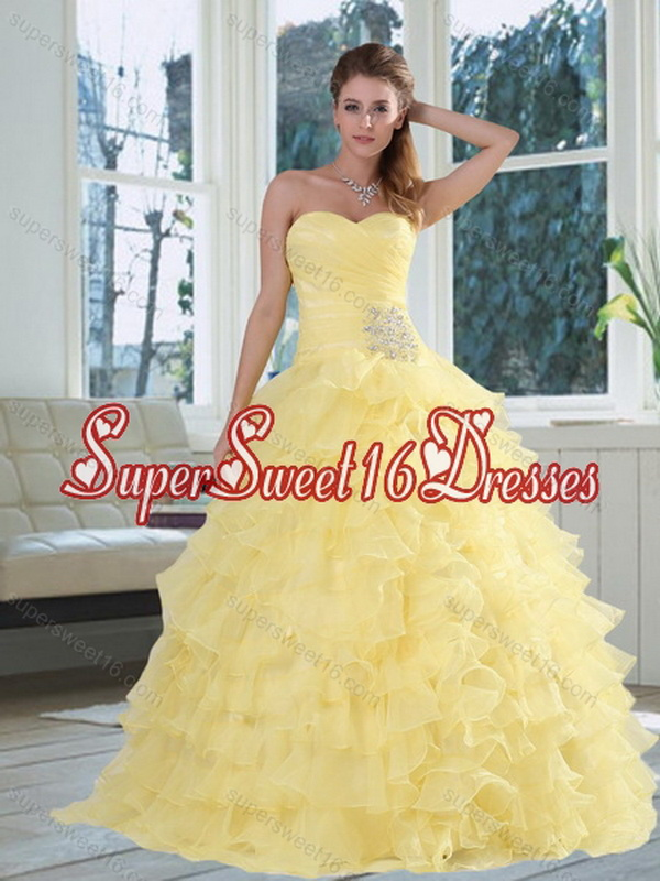 2015 Custom Made Yellow Sweetheart Quinceanera Dress with Beading and Ruffled Layers