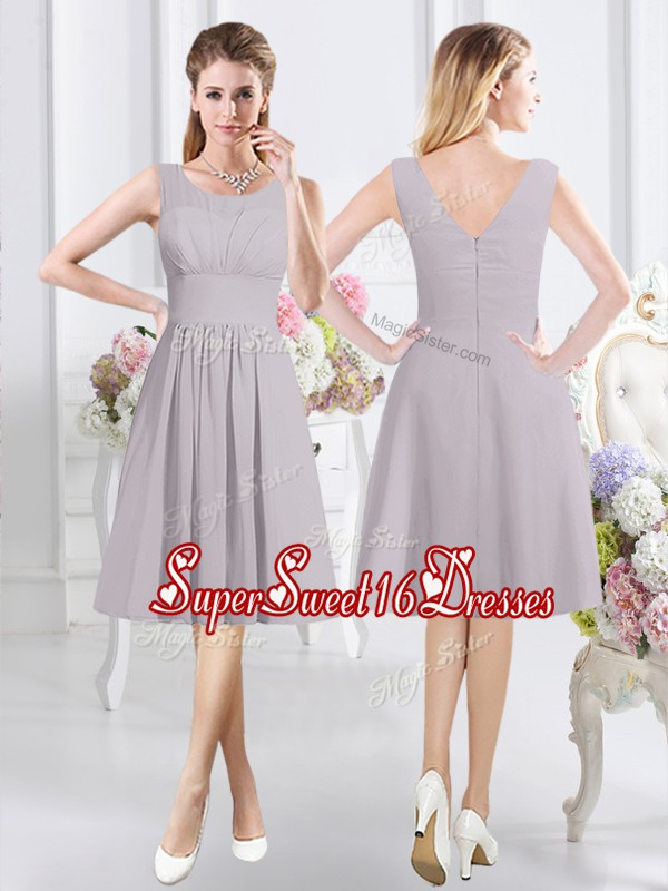 Hot Selling Knee Length Grey Dama Dress for Quinceanera Scoop Sleeveless Zipper