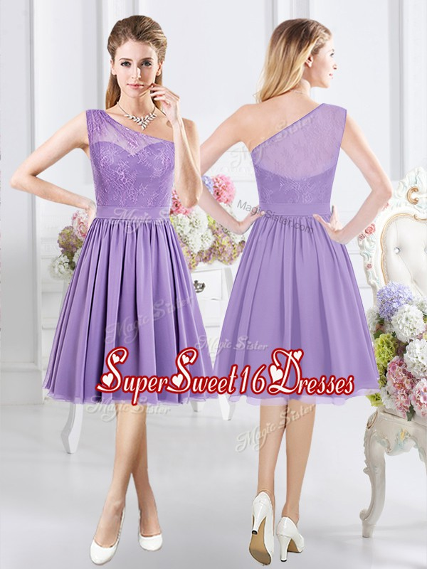 Hot Sale One Shoulder Lavender A-line Lace Quinceanera Dama Dress Side Zipper Chiffon Sleeveless Knee Length