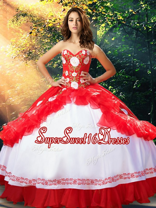 Sleeveless Organza and Taffeta Floor Length Lace Up Quince Ball Gowns in White And Red with Embroidery and Ruffles