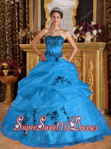 New Style In Aqua Blue Ball Gown Sweetheart With Satin and Organza Embroidery Sweet 16 Dresses