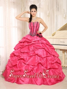 New Style In Red Beaded and Hand Made Flowers Sweet 16 Dresses With Pick-ups