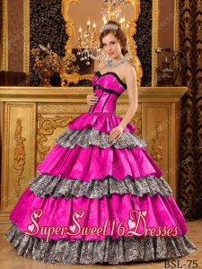 Beautiful Ball Gown Sweetheart Taffeta Ruffles 15th Birthday Party Dresses in Hot Pink