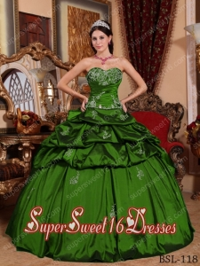 Elegent Green Ball Gown Sweetheart Taffeta Quinceanera Dress with Appliques