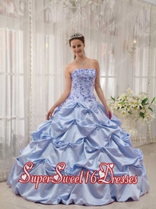 Lilac Ball Gown Strapless With Taffeta Appliques In Plus Size For Sweet 16 Dresses