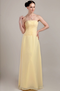 Light Yellow Strapless Floor-length Chiffon Ruch Dama Dresses for Sweet 16
