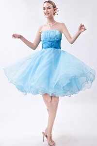Baby Blue Strapless Knee-length Organza Ruch Dama Dresses for Sweet 16
