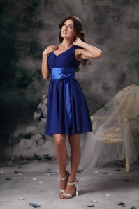 Blue Column / Sheath V-neck Mini-length Chiffon Ruch Dama Dresses for Sweet 16