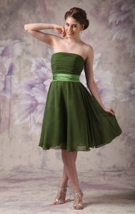 Olive Green Empire Strapless Knee-length Chiffon Sash Dama Dress
