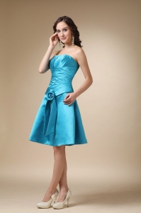 Turquoise Strapless Knee-length Satin Hand Made Flower Sweet 16 Dama Dresses