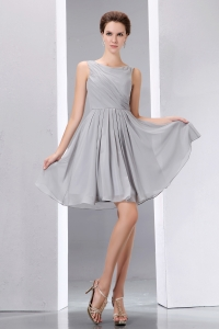Grey Scoop Knee-length Chiffon Ruch Dama Dresses for Sweet 16