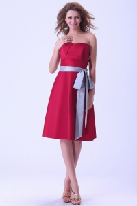 Wine Red Dama Dress With Sash Knee-length Strapless Taffeta