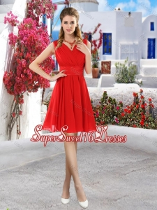 Simple Ruched Red V Neck Quinceanera Dama Dresses with Belt