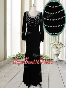 Pretty Column Scoop Pearled Backless Black Dama Dress with Long Sleeves