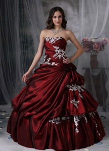 Custom Made Burgundy Ball Gown Strapless Sweet 16 Dress Taffeta Appliques Floor-length