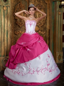 Cute Rose Pink and White Sweet 16 Dress Strapless Embroidery Satin Ball Gown