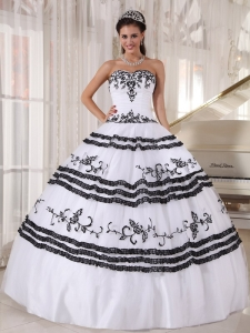 Impression White and Black Sweet 16 Dress Sweetheart Floor-length Tulle Embroidery Ball Gown