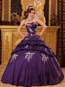Pertty Purple Sweet 16 Dress Sweetheart Taffeta Beading and Appliques Ball Gown