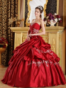 Classical Wine Red Sweet 16 Dress Strapless Taffeta Appliques Ball Gown