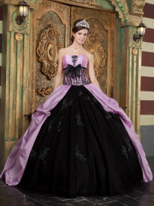 Lovely Lavender and Black Sweet 16 Dress Strapless Taffeta Appliques Ball Gown