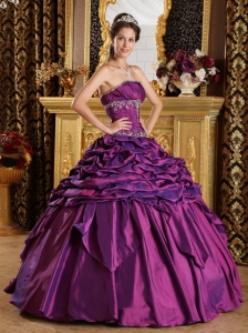 Simple Purple Sweet 16 Quinceanera Dress Strapless Pick-ups Taffeta Ball Gown