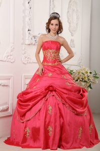 Beautiful Watermelon Red Sweet 16 Dress Ball Gown Strapless Taffeta Beading and Appliques Ball Gow