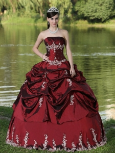 Custom Made Burgundy Sweet 16 Dress Party Wear With Satin Embroidery Decorate