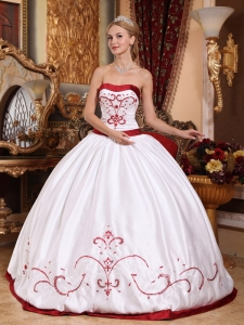 Informal White Sweet 16 Quinceanera Dress Strapless Satin Embroidery Ball Gown