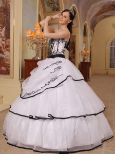 New White Sweet 16 Quinceanera Dress Strapless Organza Embroidery Ball Gown