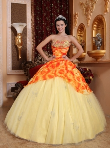 Remarkable Light Yellow Sweet 16 Dress Sweetheart Tulle Beading Ball Gown