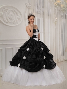 Gorgeous Black and White Sweet 16 Dress Sweetheart Taffeta and Organza Beading Ball Gown