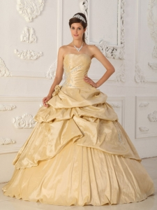 Modest Champagne Strapless Taffeta Beading Sweet 16 Dress A-Line / Princess
