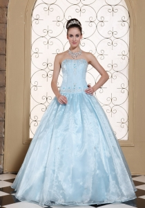 Elegant Light Blue Sweet 16 Dress Strapless With Embroidery Bodice and Beading In USA