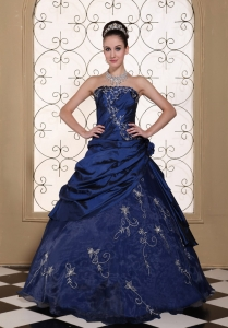 Exclusive Sweet 16 Dress With Embroidery For 2013 Strapless Navy Blue Gown