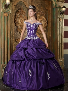 Classical Purple Sweet 16 Dress Off The Shoulder Taffeta Appliques Ball Gown