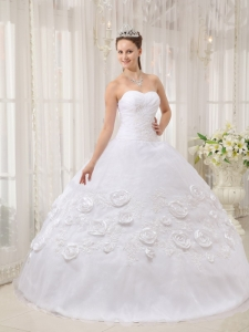 Exquisite White Sweet 16 Dress Sweetheart Organza Appliques Ball Gown