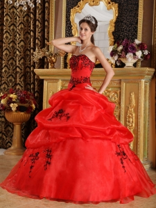 Fashionable Red Sweet 16 Dress Sweetheart Satin and Organza Embroidery Ball Gown
