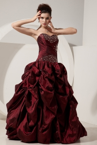 Perfect Burgundy Prom Dress / Princess Sweetheart Beading Floor-length Taffeta