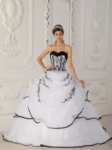 Simple White Sweet 16 Quinceanera Dress Sweetheart Satin and Organza Ball Gown